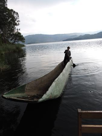 Bushara Island Camp: Paddling time
