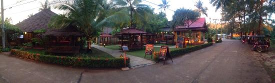 Lanta Pearl Beach Resort: The best place to eat !!! Yummy :-))