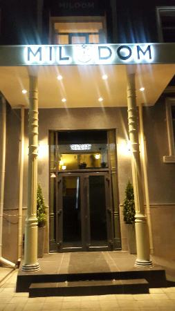 Mildom Hotel : 20150808_210413_large.jpg