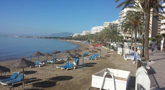 Boulevard en strand voor de deur picture of aparthotel puerto azul marbella marbella - Aparthotel puerto azul marbella ...