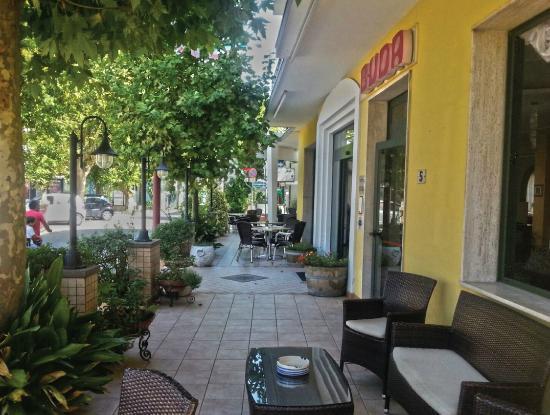 Hotel Buda : www.nerihotels.com #hotel #buda  #bellaria