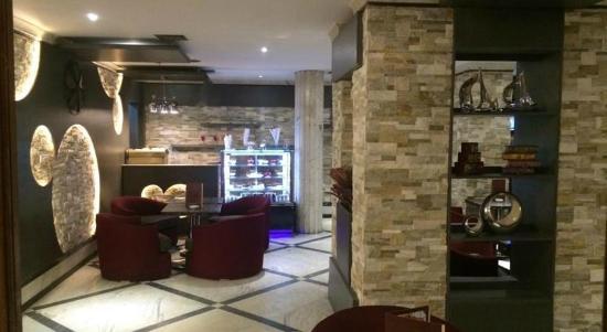 Royal Marshal Hotel: cafe shop
