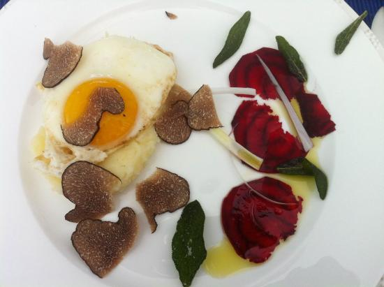 Days At Sea Beach Lodge: Summer Truffles from France on a Fried Egg