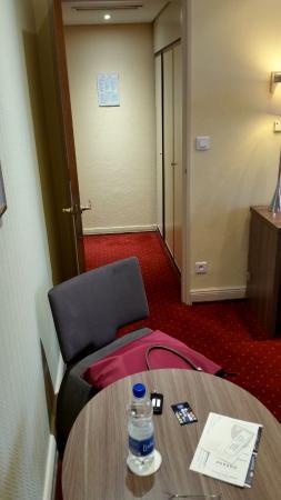 petit hall d\'entrée avec placard - Photo de Best Western Grand Hôtel ...