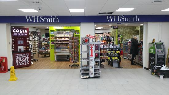 Llanedi, UK: WHSmiths Entrance