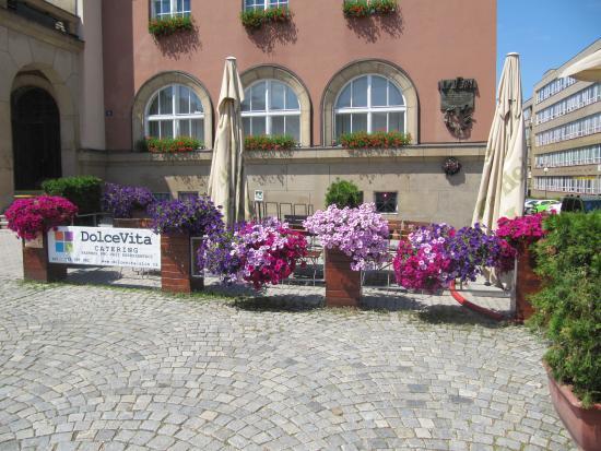 Restaurant Dolce Vita : Letní terasa plná barev