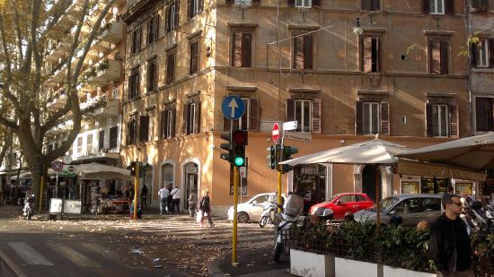 Nina Casetta De Trastevere: здание, в котором расположен отель