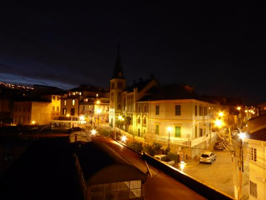 Hotel Manoir Atkinson: View at night