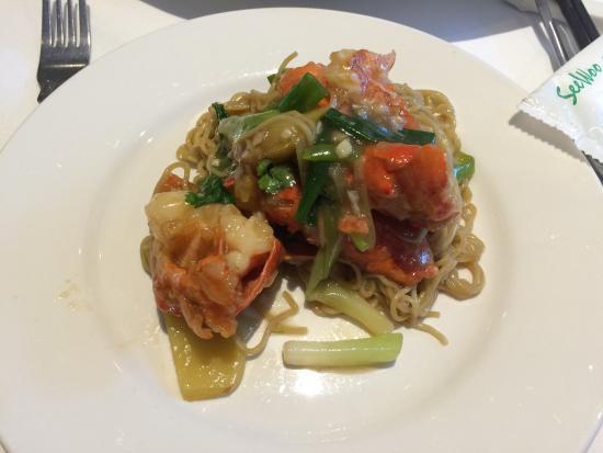 海老の料理も美味しかったです - Picture Of Mandarin Kitchen, London