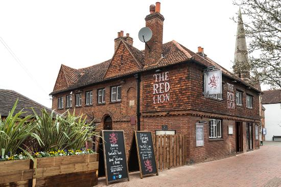 ‪The Red Lion Pub‬