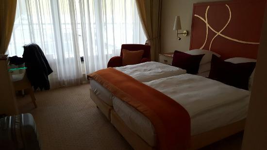Casino 2000 Hotel: Très bon hôtel ou nous avons passé de très bonnes nuit dommage que le casino ne soit pas à la pe