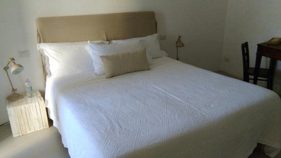 Angolo Del Letto : Camera piano terra letto foto di b&b angolo del poeta matera