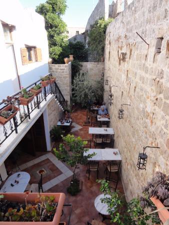 Cava d'Oro Hotel: Área para refeição e estar