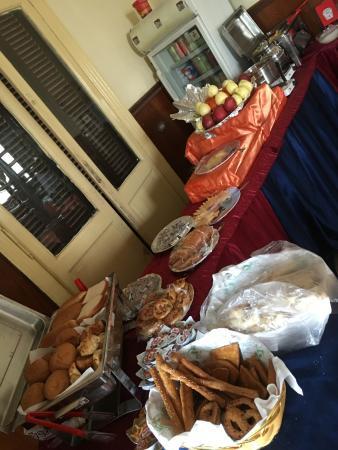 City View Hotel: breakfast buffet