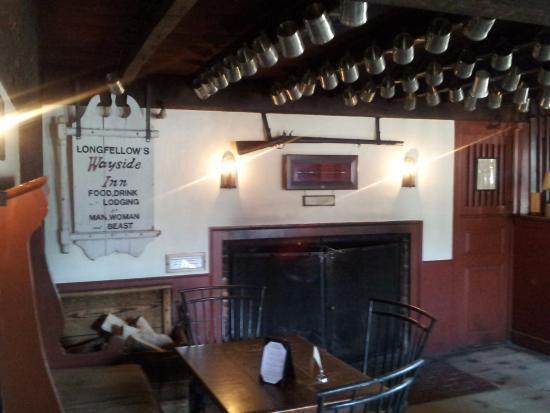 Longfellow's Wayside Inn: Tavern