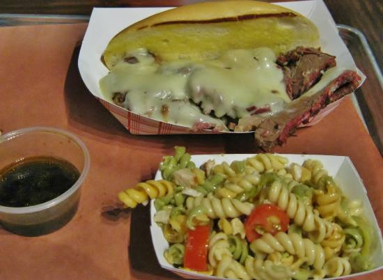 Valley Park, MO: Holy Grail Sandwich with pasta salad side