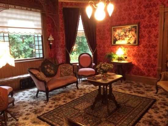 The living room - Picture of The Grand Victorian B&B ...
