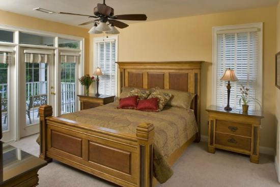 Maggie Valley Club & Resort: Master Bedroom