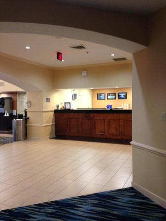 The Inn at Mayo Clinic: Reception Desk