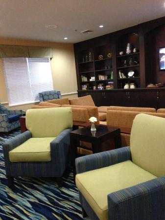 The Inn at Mayo Clinic: Inviting Chairs