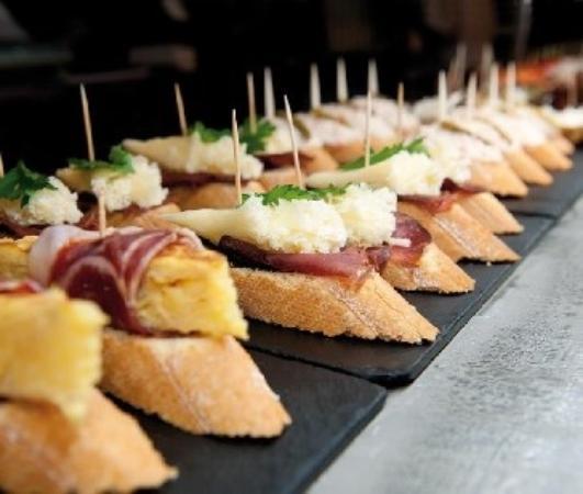 Pinchos picture of bar inter barcelona barcelona - Tapas originales frias ...