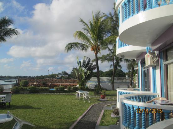 Coco Villa: the grounds of the hotel