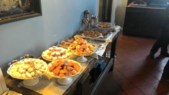Sillavengo, Ιταλία: buffet dei dolci