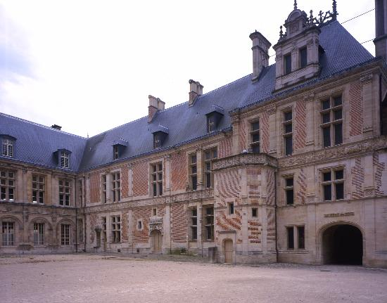 Sens, Frankrike: Palais des Archevêques