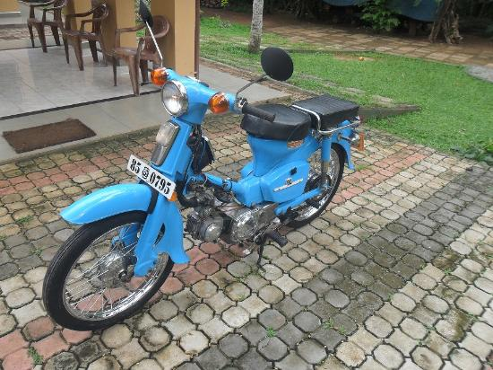 American Classic Motorcycle Museum: Honda Super Cub C-90, Made in Japan, Year - 1976, Engine - 90cc , kick start, 4 strock