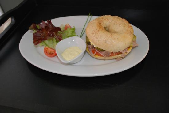 Loco Lounge: sunday bagels