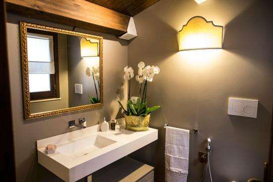 modernissimo e raffinato bagno con doccia - foto di b&b charme ... - Arredo Bagno Modernissimo