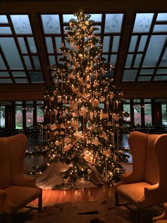Four Seasons Resort Lana'i, The Lodge at Koele: Celebrating the holidays at the Four Seasons Lodge at Koele.