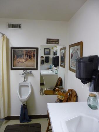 Lusk, Wyoming: Cosy bathroom