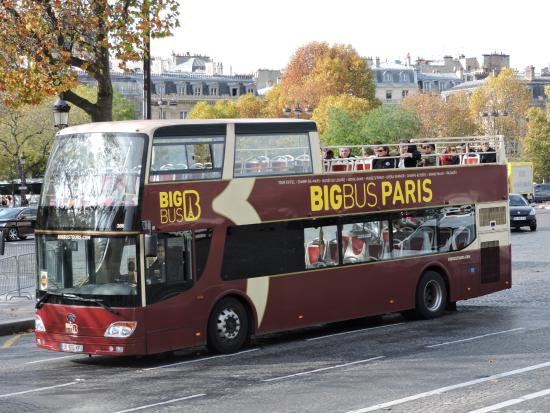 en route picture of big bus paris paris tripadvisor. Black Bedroom Furniture Sets. Home Design Ideas