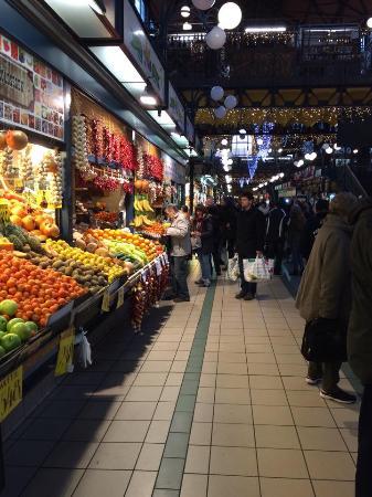 Feny Utca Market
