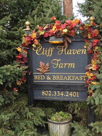 Cliff Haven Farm B&B: Sign