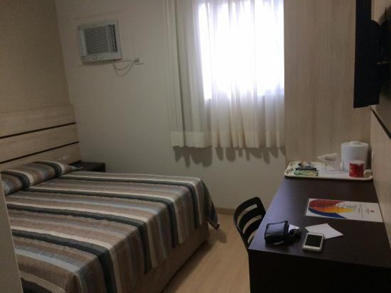 Barigui Park Hotel: Quarto