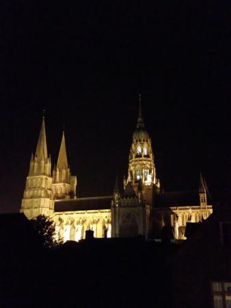 La Tour Louise: Cathédrale de Bayeux