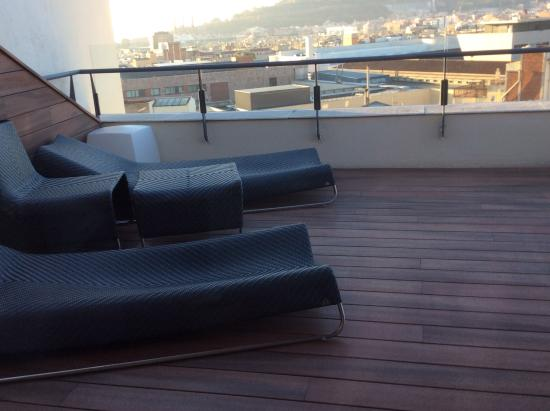 Piscina privada de junior suite picture of catalonia for Piscina barcelona
