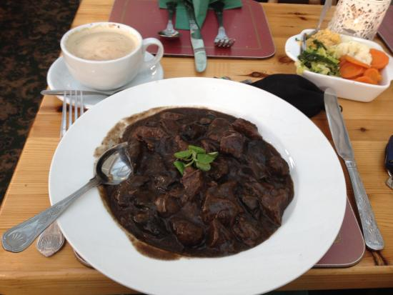 Icklesham, UK: Beef Cassarole with Mushroom in Red Wine