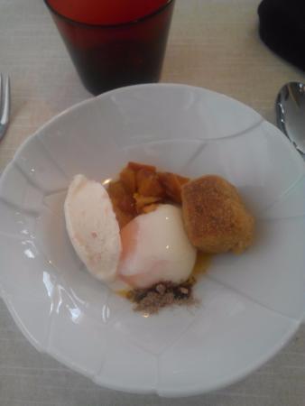 Navaleno, İspanya: huevo, helado, etc...