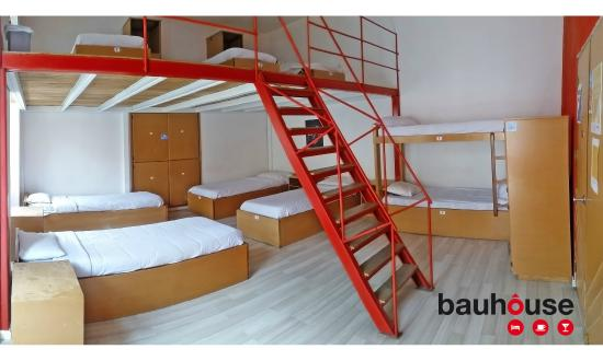 Bauhouse Hostel : 9 Bed Dorm