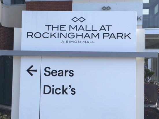Salem, NH: A simon Mall - Direction to Sears