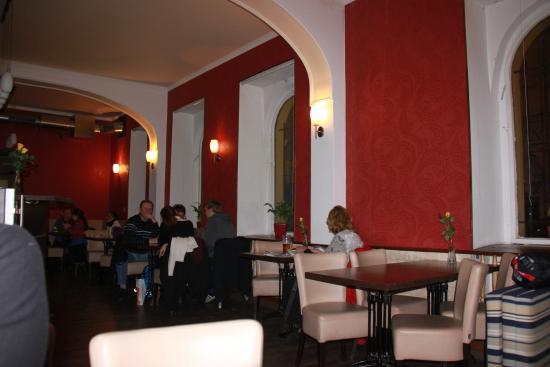 Cafe Revenir