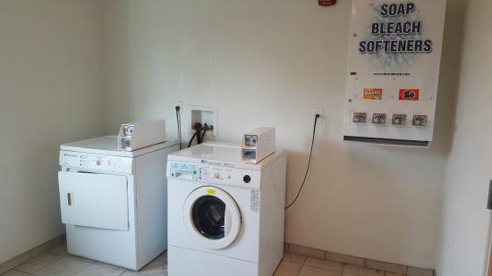 موتل 6 نياجرا فولز نيويورك: Guest Laundry Room