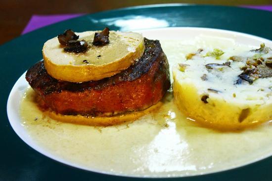 Cal Teo: Solomillo trufado a la crema de foie