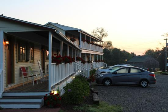 Lincolnville, ME: Bay Leaf Cottages & Bistro