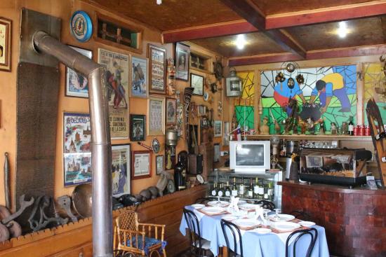 Kuranton Restaurant : Local