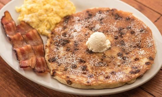 Newport News, VA: Cinnamon Chip Pancake Breakfast
