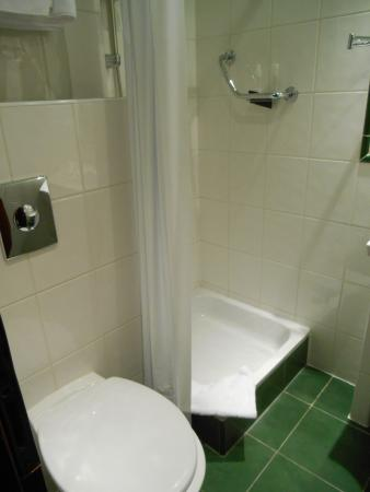 Hotel Lunik: bagno
